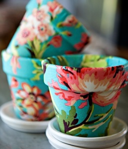 Floral Roundup - 10 Floral-Inspired Crafts - By Stella Crafts